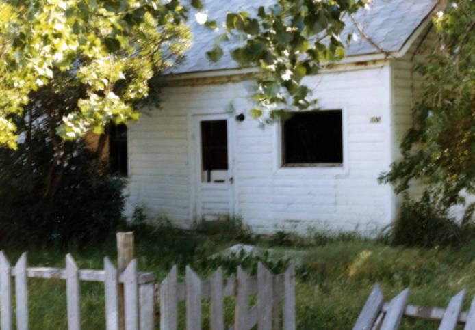 description of abandoned house